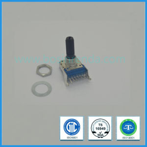 11mm Rotary Potentiometer Plastic Shaft 8 Pin for Mixer Amplifier pictures & photos