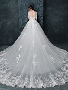 Scoop Neck Appliques Half Sleeves Court Train Wedding Dress (Dream-100049) pictures & photos