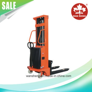 1500kg Semi-Electric Stacker Forklift/1.5 Ton Stacker pictures & photos