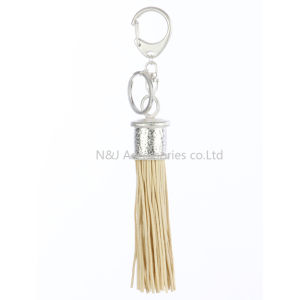 Fashion Casual Beige PU Leather Tassels Women Keychain Bag Pendant Alloy Car Key Chain Ring Holder Retro Jewelry pictures & photos