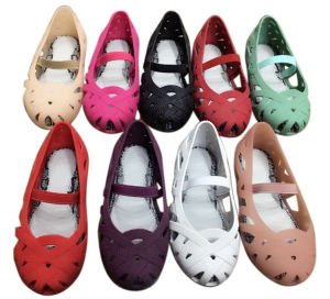 Girls PVC Jelly Fashion Shoes pictures & photos