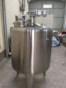 Stainless Steel Milk Holding and Storage Tank with Mixer pictures & photos