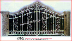 Wrought Iron Gate/ Forged Iron Gate (SK-5585) pictures & photos