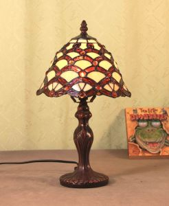 Art Tiffany Table Lamp 815 pictures & photos