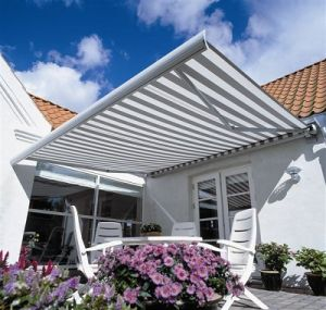 Bending Arm Awning; Remote Control Awning; Automatic Awning pictures & photos