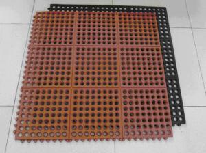 (GM0407) Interlocking /Anti-Fatigue/ Drainage Rubber Mat pictures & photos