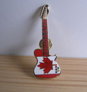 Imitation Hard Enamel Guitar Shape Lapel Pin pictures & photos