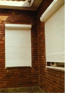 CE Approved Roller Shutter (42mm slats) pictures & photos