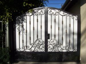 Front Entry Wrought Iron Gates Design pictures & photos