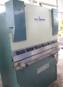 Hydraulic Bending Machine (WC67Y 30T1300) pictures & photos