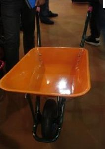 Big Yard Tray for Wheelbarrow (WB5211) Wih Strong Handle pictures & photos