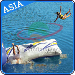 2017 New Juming Trampoline Combo, Inflatable Water Trampoline pictures & photos