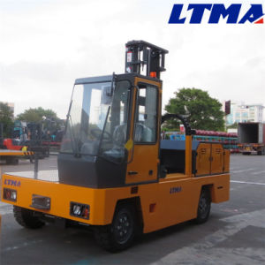Hydraulic 3t Side Loader Forklift Truck with 4.8m Mast pictures & photos