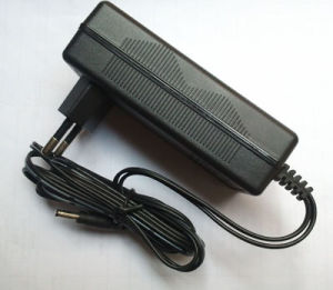 Asus Eeepc Car Charger 12-26V DC Input, 20VDC, 2.0A Output pictures & photos