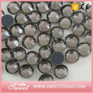Ss16 Sparkling Cheap Strass to Heat Transfer on Clothes pictures & photos