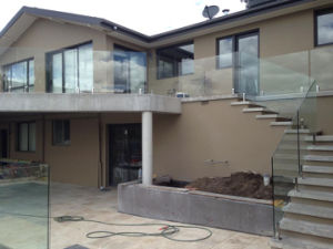 Exterior Balcony Glass Balustrades with Stainless Steel Baluster pictures & photos