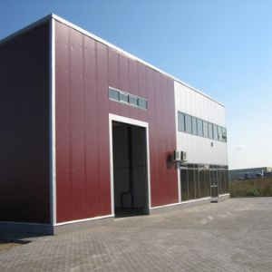 Prefabricated Steel Structure Frame Pre-Engineered Metal Building with ISO 9001 pictures & photos