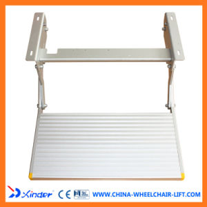Auminium Manual Folding Step Ladder for Campus Cars pictures & photos