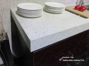 2015 New Material Wooden Grain UV MDF Kitchen Cabinet Door (ZH-6043) pictures & photos