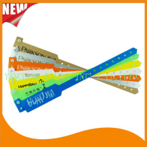 Professional Entertainment Hot Selling Custom Made Disposable Plastic Wristbands (E8020-1) pictures & photos