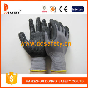 Ddsafety 2017 Grey Nylon Coated Nitrile Mini Dots Safety Gloves pictures & photos