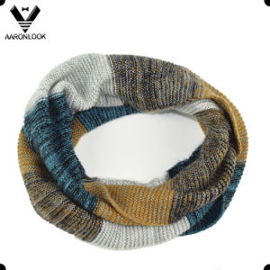2016 Hot Selling Ombre Knitted Stripe Snood Scarf pictures & photos