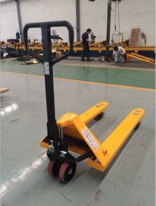 2000~3000kg Hydraulic Hand Pallet Jack with Good Quality (Whole Casting Pump) pictures & photos