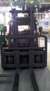 3.5t Un Gasoline/LPG Forklift with Nissan K25 Engine with CE and Triplex 6.0m Mast (FGL35T) pictures & photos