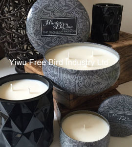 Round Tin Smokeless Christmas Candle with OEM Design pictures & photos