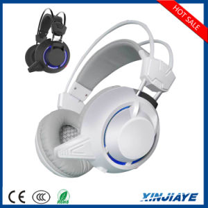 Factory Price PC835 USB 3.5mm Stereo Gaming Headphone with Mic LED Light pictures & photos