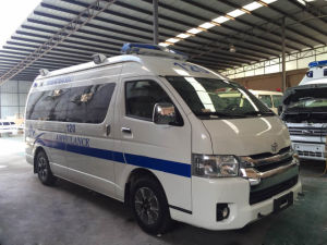 Hot Selling Toyota Hiace High Roof 3.0L Diesel Rhd Ambulance pictures & photos
