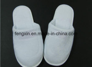 High Quality Logo Pringting White Disposable Hotel Slipper pictures & photos