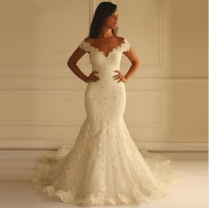 Hot Sale Ivory Chapel Train Button Mermaid Wedding Bridal Dress pictures & photos