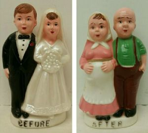 Vintage Plastic Bride & Groom Before/ After 2-Sided Toy Bank Wedding Cake Topper pictures & photos