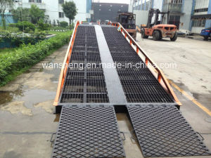 Movable Hydraulic Loading Dock Ramp pictures & photos