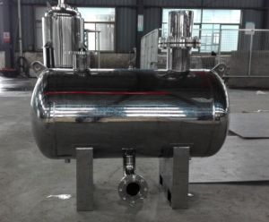 Non-Negative Pressure Steady Flow Water Supply Tank