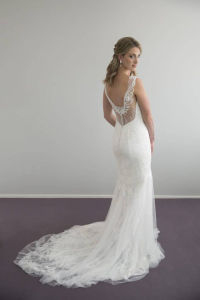 New Arrival Beautiful Beaded Lace Fishtail and Front Split Wedding Dress with Chiffon and Lace Skirt pictures & photos