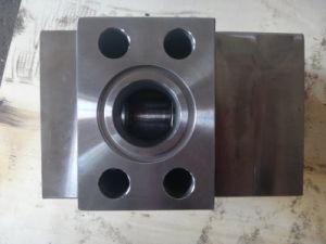 Machining OEM Service High Precision Oil Field Spare Part X-Mas Tree Block pictures & photos