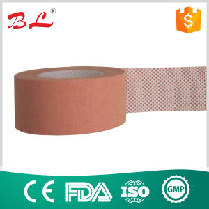 Hot Sell Surgical Adhesive Tape Zinc Oxide Tape Cotton Tape pictures & photos