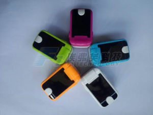 FDA Pulse Oximeter Finger Oximeter Pulse/LED Fingertip Pulse Oximeter pictures & photos