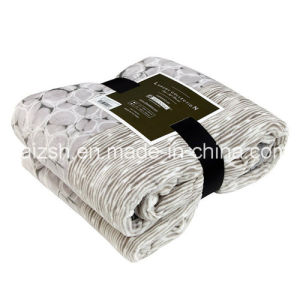 Folding Edging Flannel Blanket Thick Flannel Blanket pictures & photos