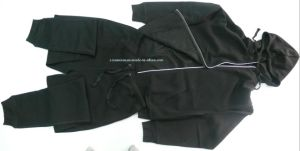 100% Polyester Black Men′s Sportsuit with Hood pictures & photos