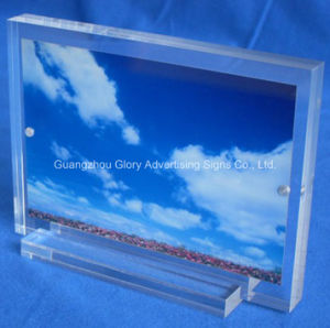 Plastic Acrylic Photo Frame with Magnets pictures & photos