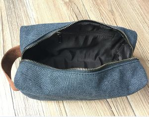 Travel Toiletry Bag Canvas Dopp Kit with Leather Handle pictures & photos