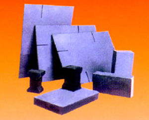 Refractories for Iron-Making Industry/Silicon Carbide (SiC) Bricks pictures & photos