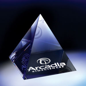 3D Laser Crystal Pyramid (JC4327CL)