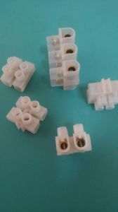 U Type 15 a 3 Way PE Strip Terminal Block pictures & photos