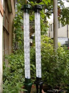LX 009 A Metal Garden Thermometers With LED
