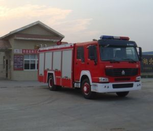 Sinotruk Foam Fire Fighting Truck pictures & photos