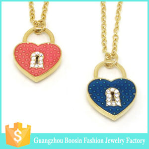 Latest Custom Gold Plated Lock Heart Charm Necklace for Women pictures & photos